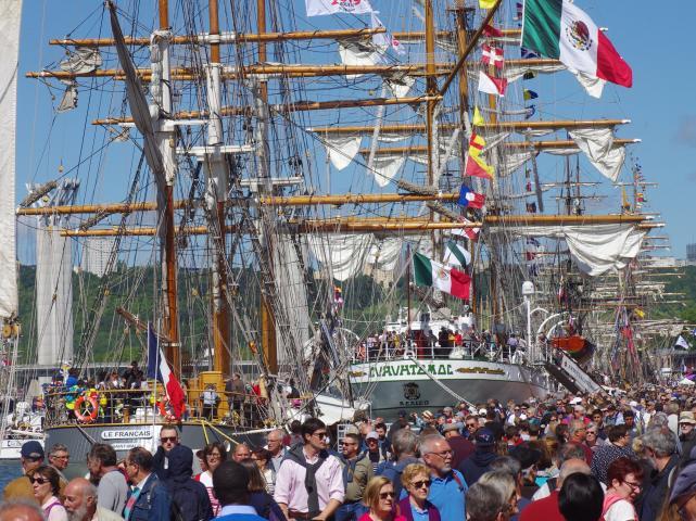 La foule sur les quais pendant l'Armada 2019