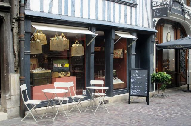 """Facade extérieur de """"Goût, boutique à manger"""""""