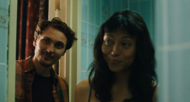 Eamon Farren et Isabel Sandoval dans Brooklyn secret