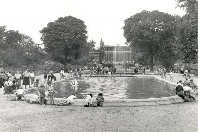Jardin des plantes d'autrefois en noir et blanc