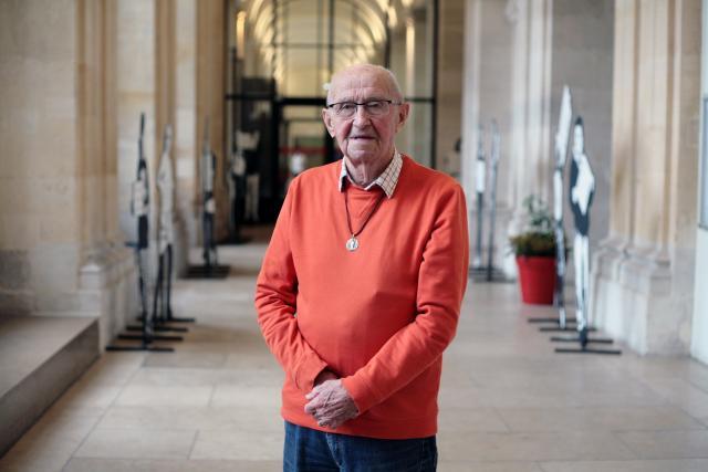 Léon Butez dans les galeries de l'Hôtel de Ville