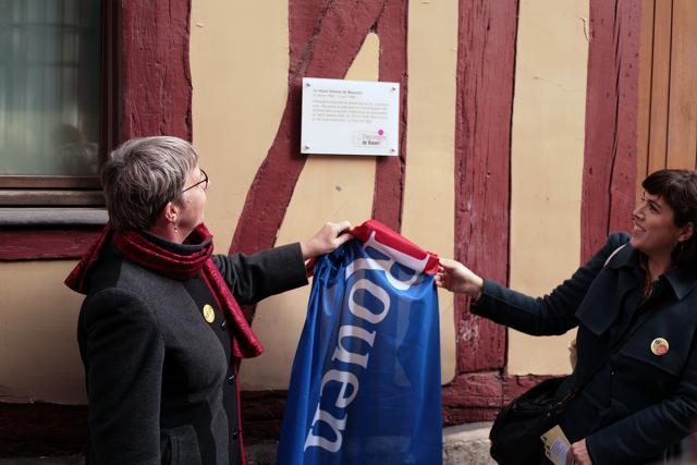 Dévoilement de la plaque de Simonde de Beauvoir rue du Petit-Mouton