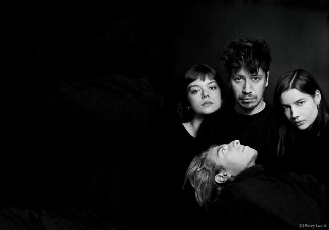 Les quatre musiciens de We Hate You Please Die